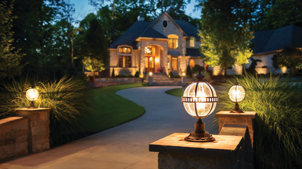 декоративные фонари на участке