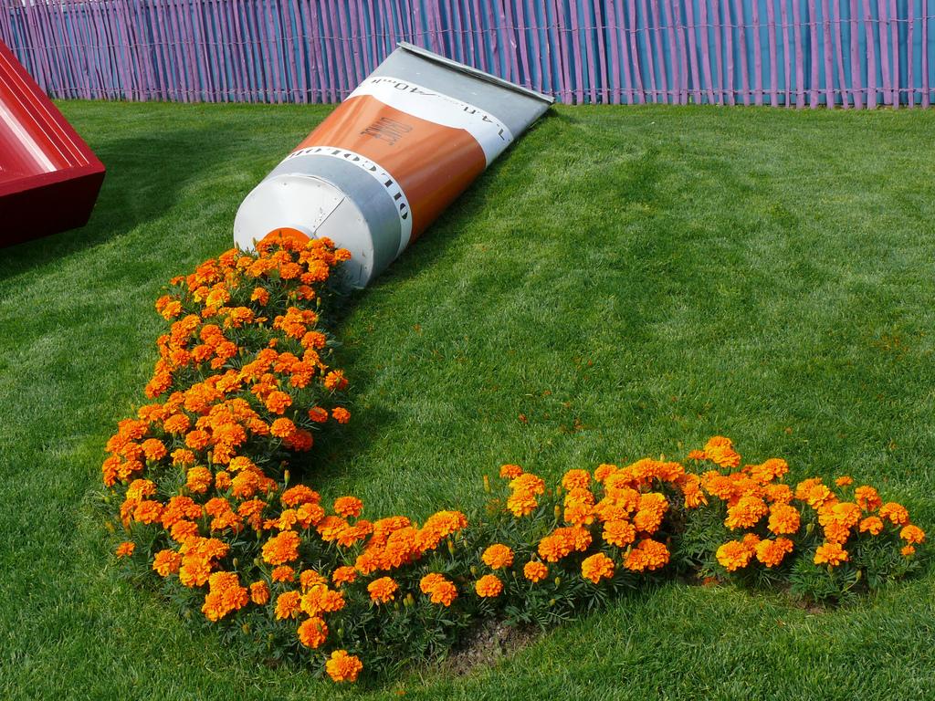 цветочная композиция с бархатцами