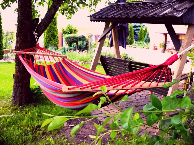 гамак для отдыха в саду