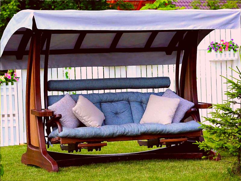уютные садовые качели для зоны отдыха