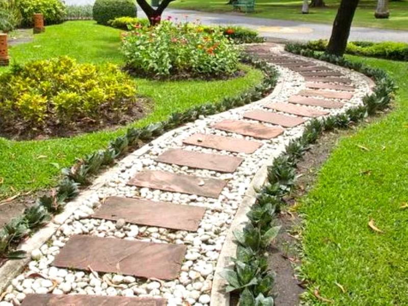 Комбинированная садовая дорожка