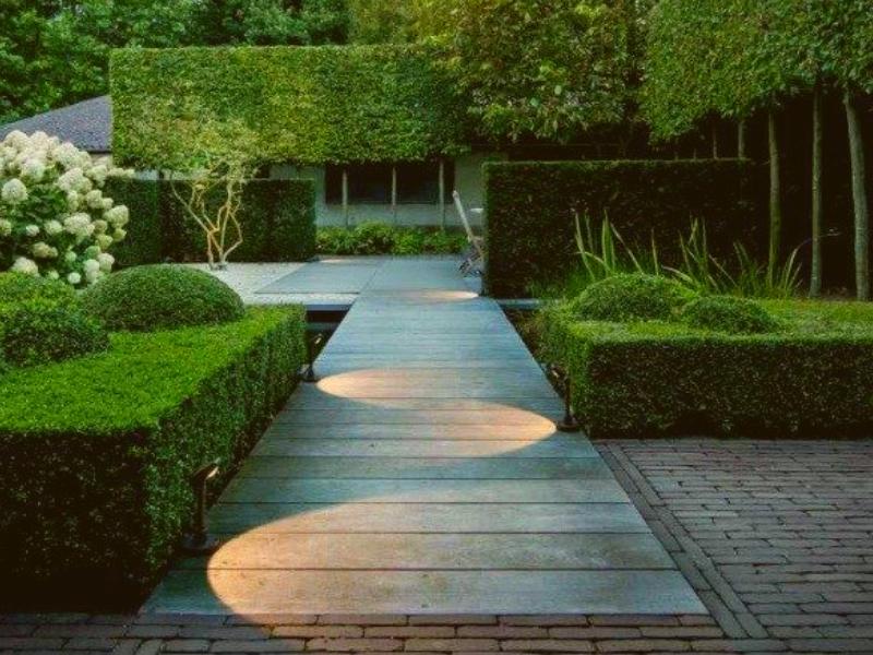 подсветка в ландшафте в стиле минимализм