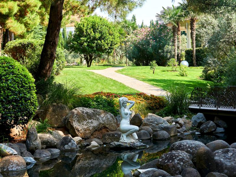 Камни в итальянском саду